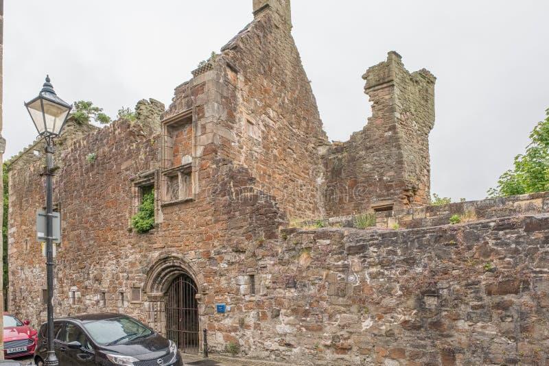 Ruinas antiguas del castillo Irvine Visited de Seagate de Mary Queen de escocés fotos de archivo libres de regalías