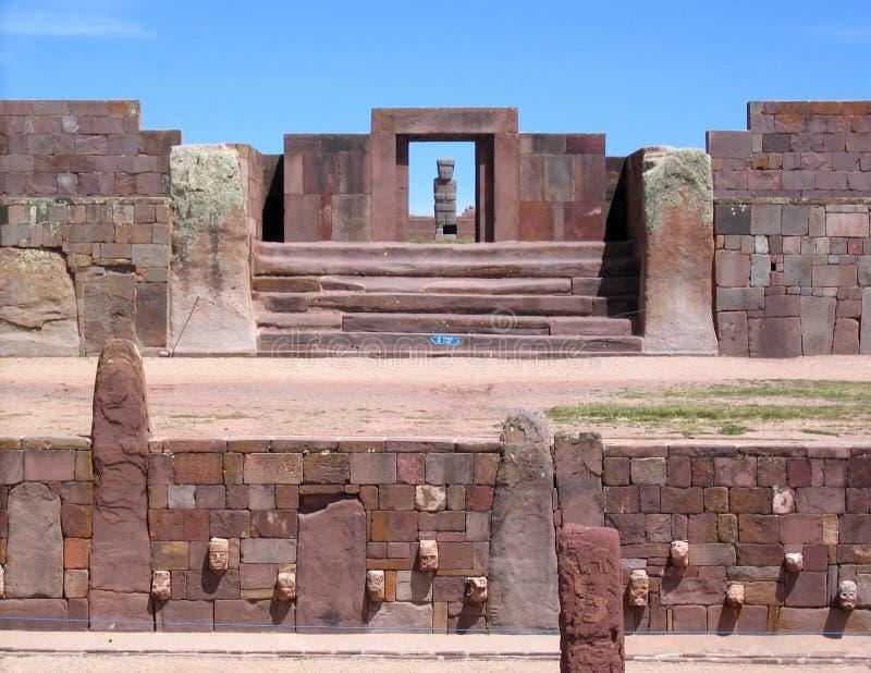 Ruinas de Bolivia, de Tiwanaku, pre-Inca Kalasasaya y templos más inferiores fotografía de archivo