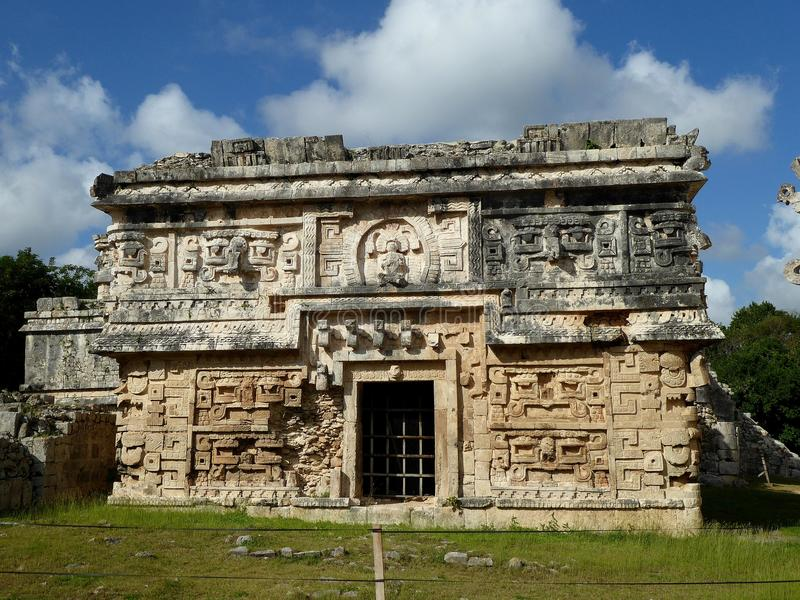 Ruinas de Chichen Itza del templo de la pirámide del maya en Yucatán, México foto de archivo libre de regalías