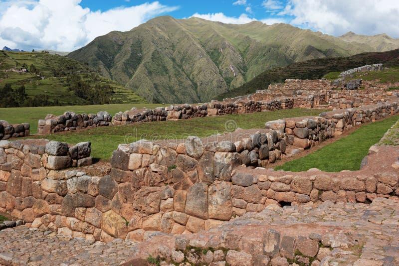 Ruinas de Chinchero en Perú imagenes de archivo