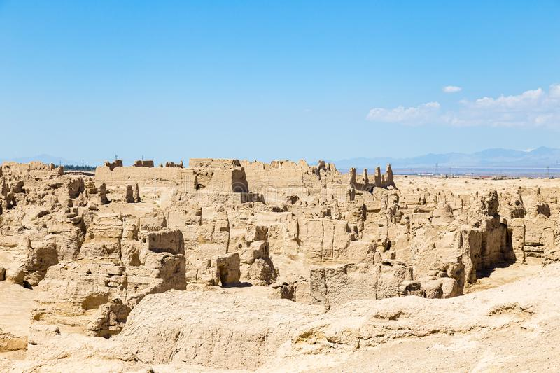 Ruinas de Jiaohe vistas desde arriba, Turpan, China Capital del reino de Jushi, de AAncient era una fortaleza natural en una mese foto de archivo libre de regalías