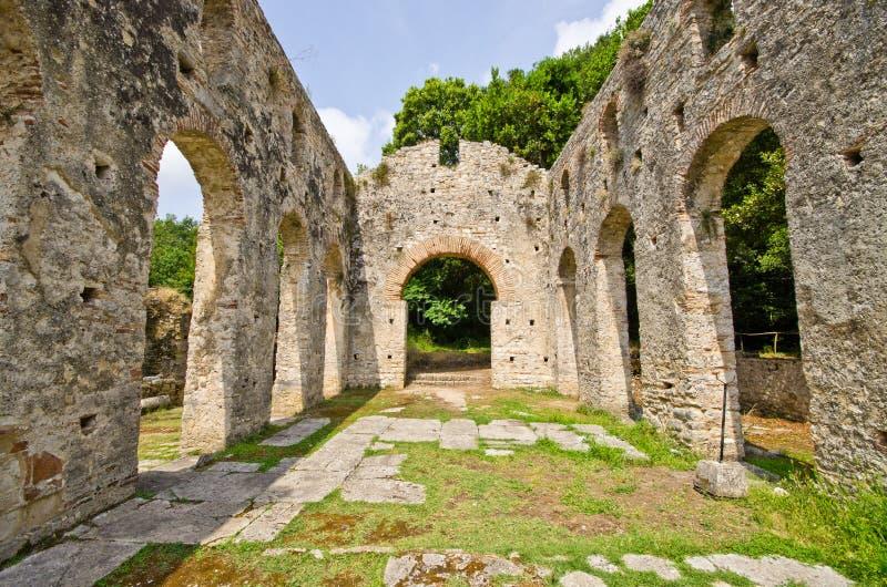 Ruinas de la basílica vieja en Butrint, Albania fotos de archivo libres de regalías