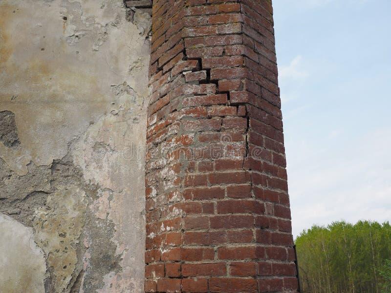 Ruinas de la capilla gótica en Chivasso, Italia imagenes de archivo