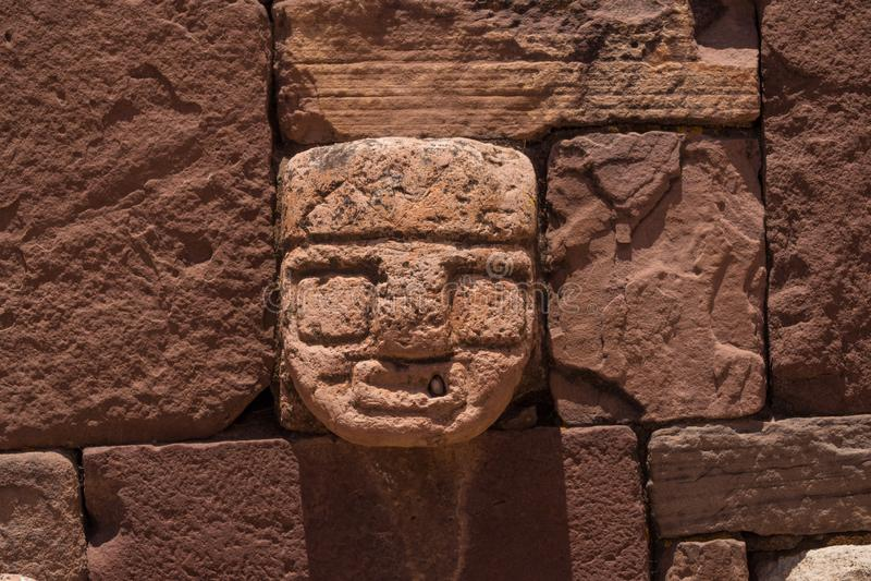 Ruinas de la ciudad antigua de Tiwanaku, Bolivia imagenes de archivo