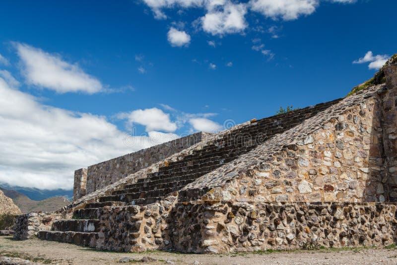 Ruinas de la ciudad Dainzu, Oaxaca de los pre-hispanos de Zapotec fotos de archivo