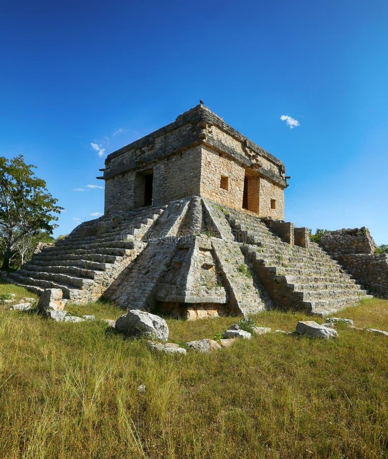 Ruinas de la ciudad maya antigua de Dzibillchaltun, México fotos de archivo