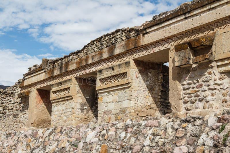 Ruinas de la ciudad Mitla de Zapotec de los pre-hispanos fotografía de archivo libre de regalías