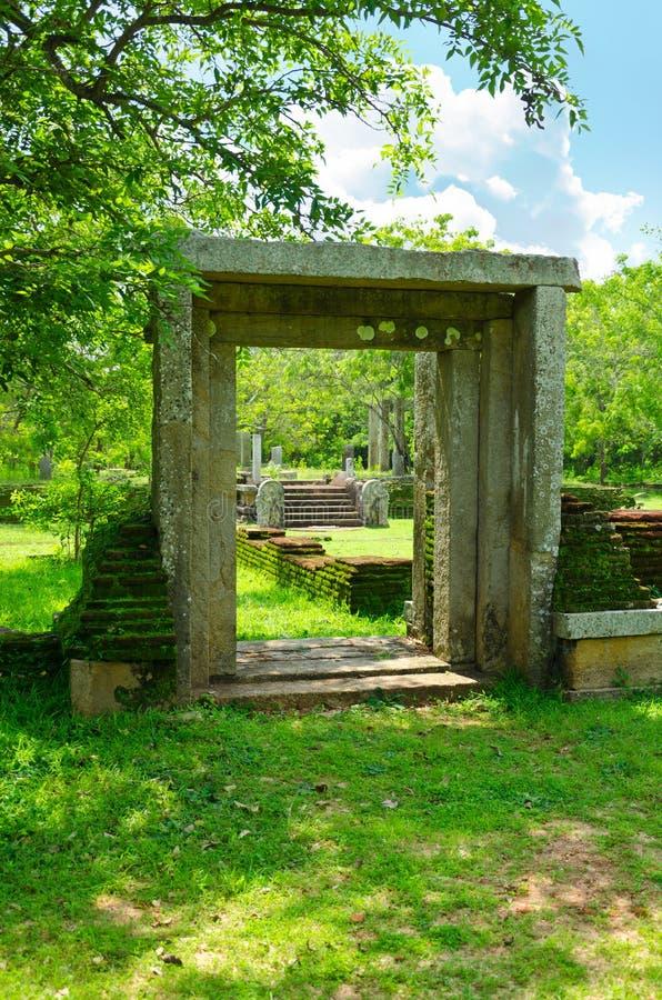 Ruinas de la ciudad sagrada Anuradhapura, Sri Lanka imágenes de archivo libres de regalías