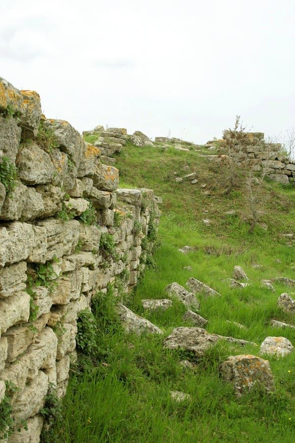 Ruinas de la ciudad troy antigua fotos de archivo
