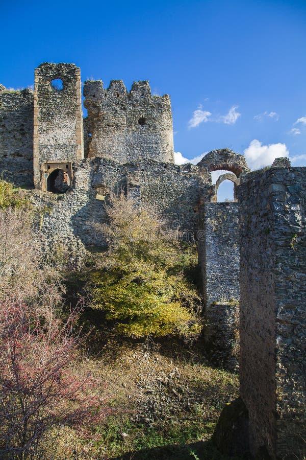Ruinas de la fortaleza fotos de archivo