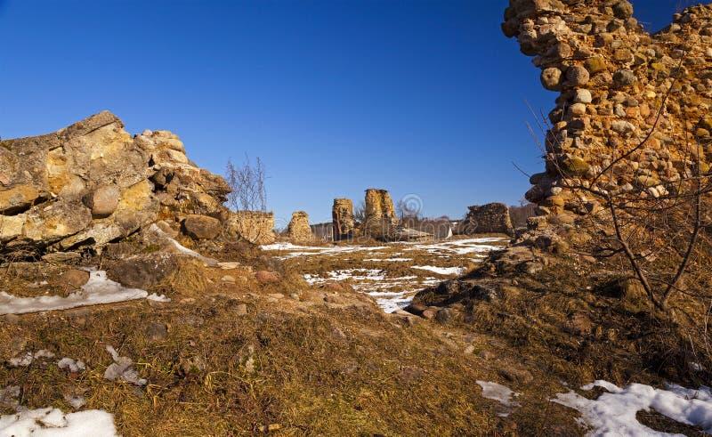 Ruinas de la fortaleza imagenes de archivo