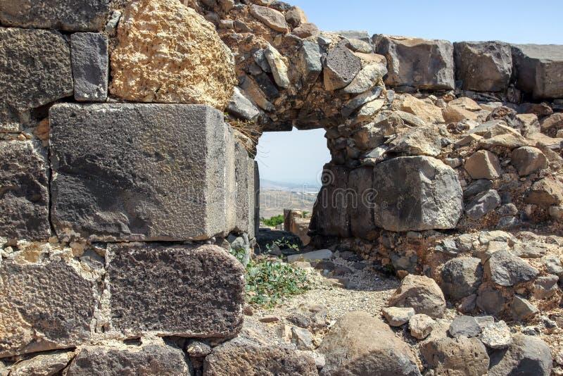 Ruinas de la fortaleza del siglo XII del Hospitallers - el Belvoir - Jordan Star - en Jordan Star National Park cerca de la ciuda fotografía de archivo libre de regalías