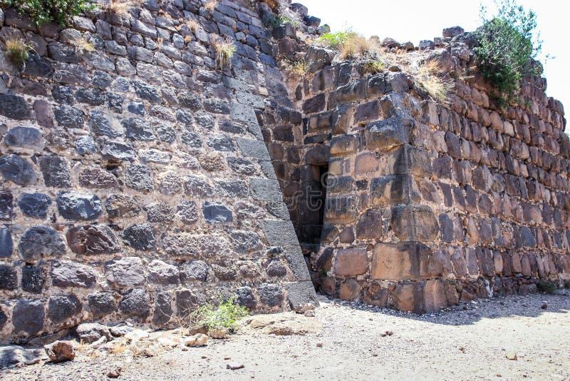 Ruinas de la fortaleza del siglo XII del Hospitallers - el Belvoir - Jordan Star - en Jordan Star National Park cerca de la ciuda fotos de archivo libres de regalías