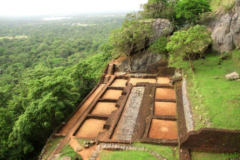 Ruinas de la fortaleza en la roca de Sigiriya, Sri Lanka fotografía de archivo libre de regalías