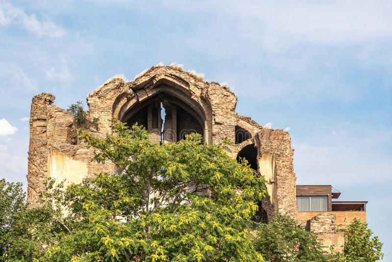 Ruinas de la Iglesia Armenia del evangelio rojo fotos de archivo
