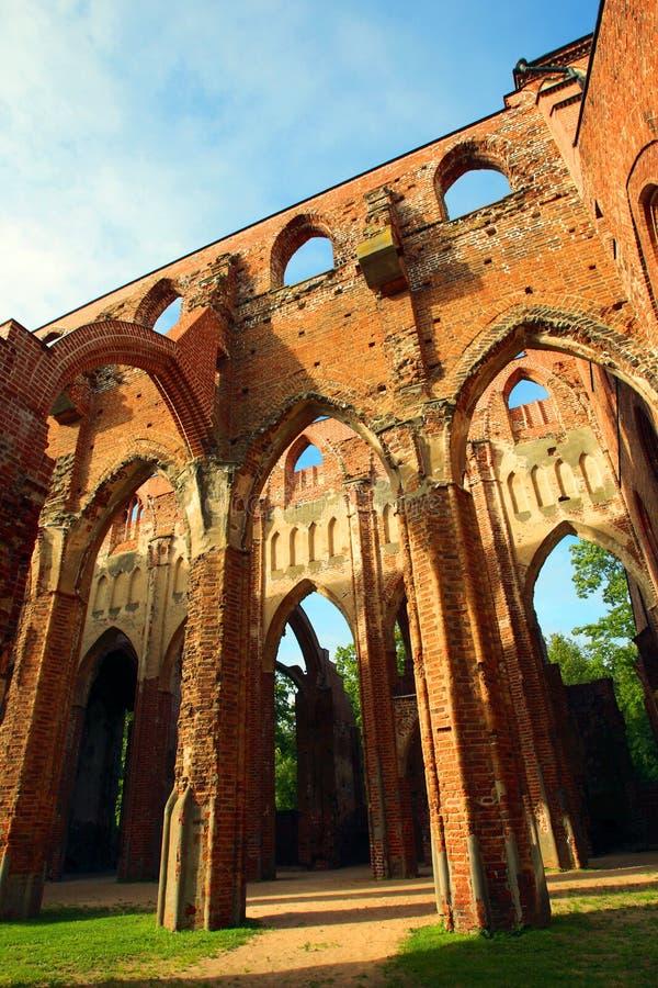 Ruinas de la iglesia de la bóveda foto de archivo libre de regalías