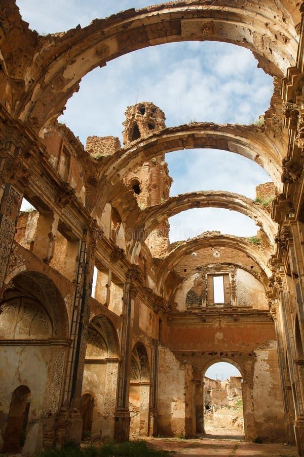 Ruinas de la iglesia de la ciudad de Belchite, España fotografía de archivo libre de regalías