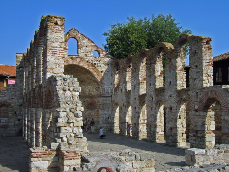 Ruinas de la iglesia de piedra vieja fotografía de archivo libre de regalías