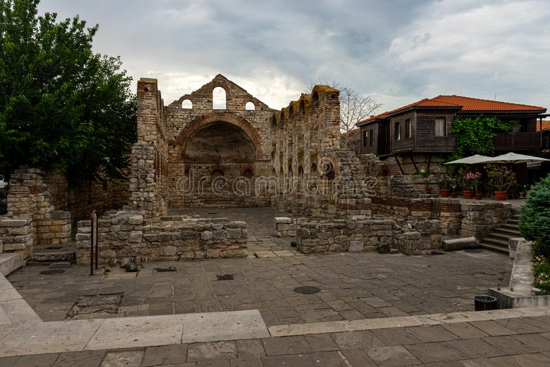 Ruinas de la iglesia siglo construido Sofía del santo del 5to-6to fotos de archivo