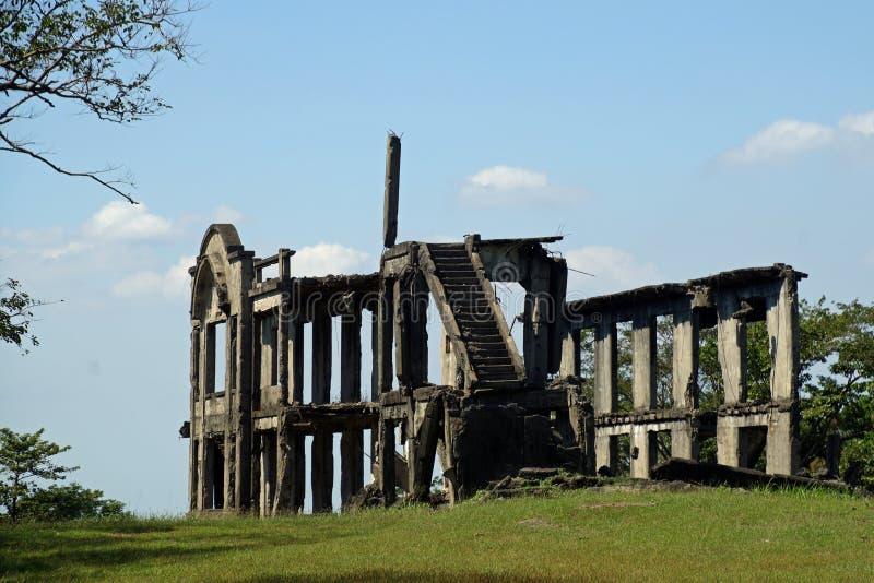 Ruinas de la milla de los cuarteles de largo en bahía de la isla de Corregidor, Manila, Filipinas imagen de archivo
