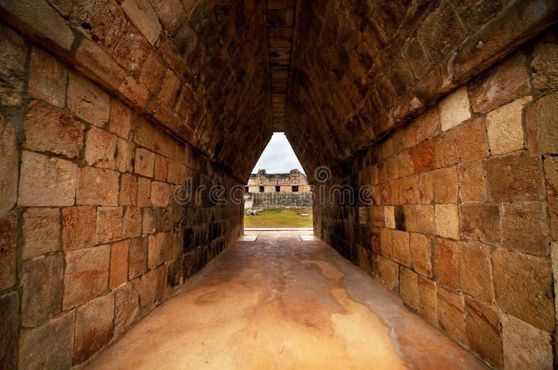 Ruinas de las ciudades antiguas del maya imagen de archivo