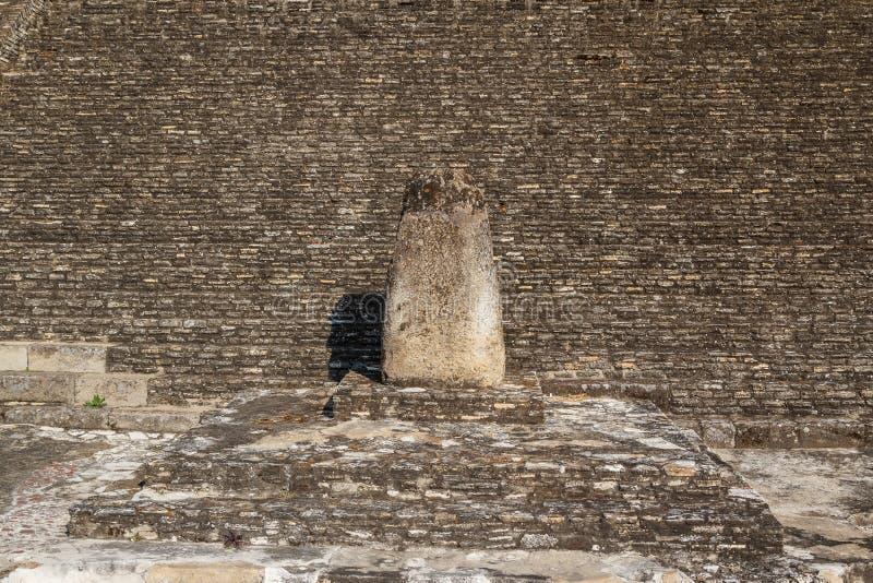 Ruinas de las estructuras de los pre-hispanos en Cholula, Puebla imagen de archivo libre de regalías