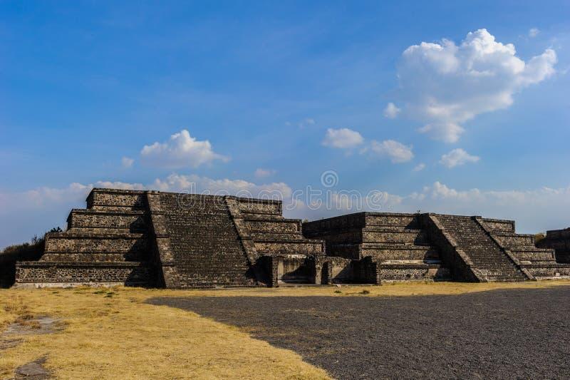 Ruinas de las pirámides de la ciudad precolombina Teotihuacan, México foto de archivo libre de regalías