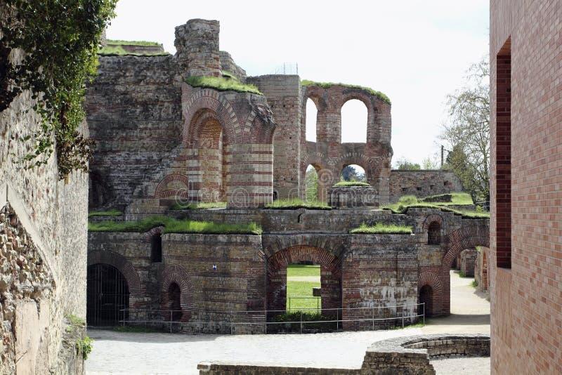 Ruinas de los baños romanos imágenes de archivo libres de regalías