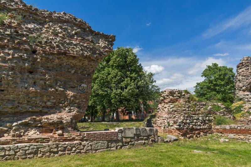 Ruinas de los fortalecimientos de la ciudad romana antigua de Diocletianopolis, ciudad de Hisarya, Bulgaria imágenes de archivo libres de regalías
