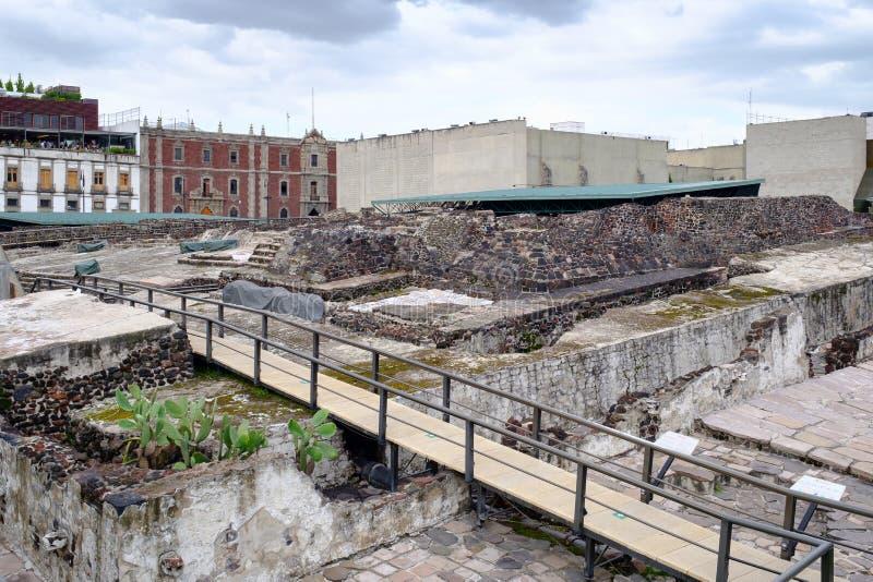 ruinas de los Pre-hispanos de la ciudad azteca de Tenochtitlan en Ciudad de México fotos de archivo libres de regalías