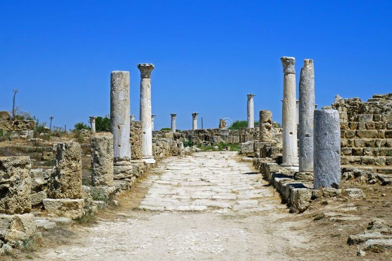 Ruinas de los romanos de la ciudad de salamis, cerca de Famagusta, Chipre septentrional imágenes de archivo libres de regalías