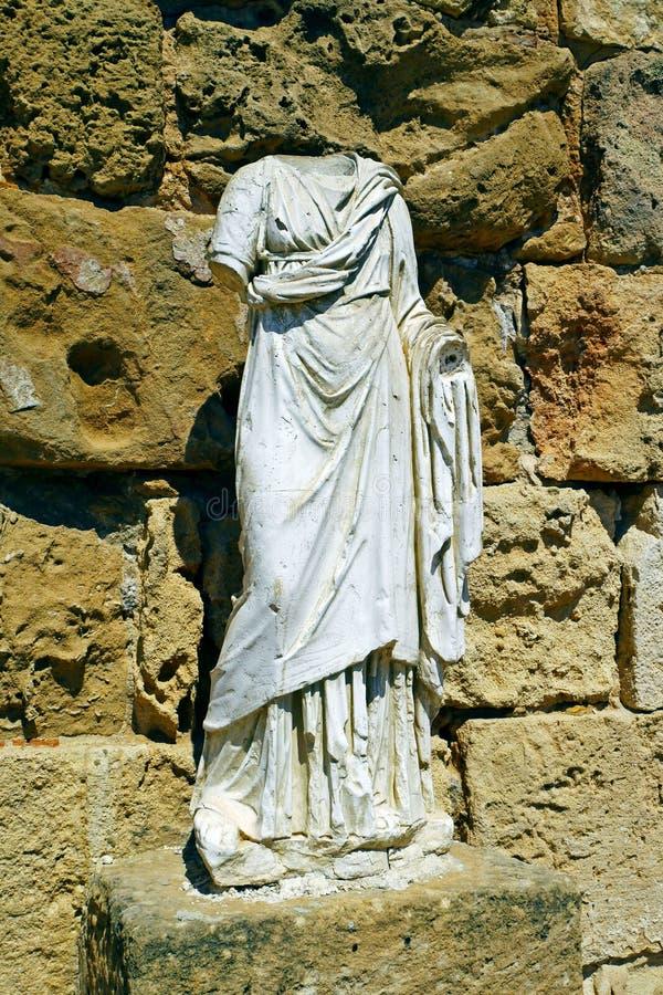 Ruinas de los romanos de la ciudad de salamis, cerca de Famagusta, Chipre septentrional imagen de archivo libre de regalías