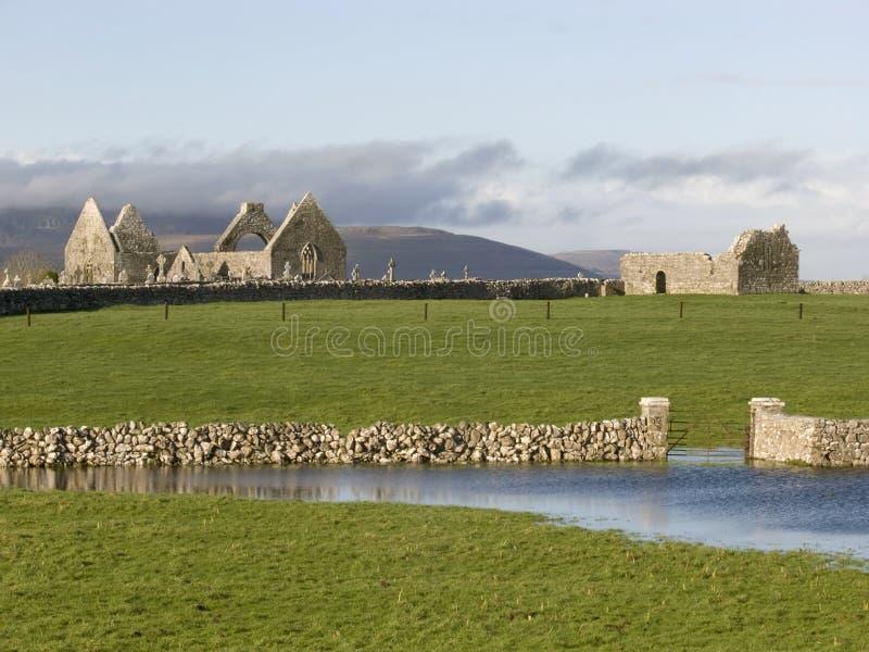 Ruinas de Monastry en Irlanda fotos de archivo libres de regalías