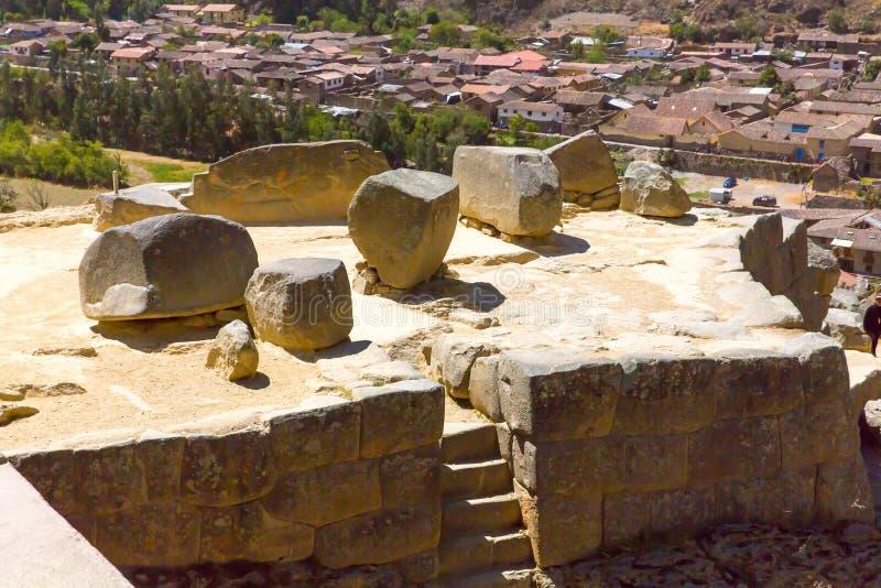Ruinas de Ollantaytambo, de Perú, del inca y sitio arqueológico en Urubamba, Suramérica.  Era estado real del emperador imagen de archivo