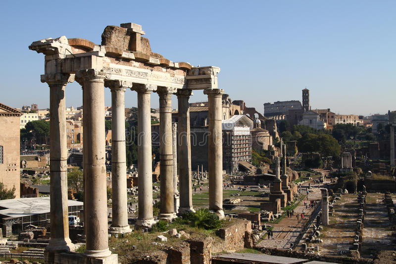 Ruinas de Roma antigua imagen de archivo libre de regalías