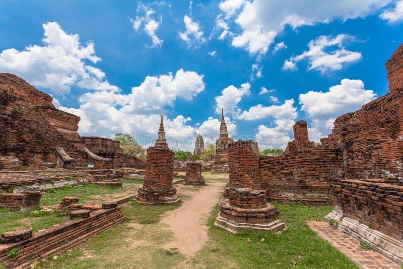 Ruinas de templos en el período de Ayutthaya foto de archivo libre de regalías