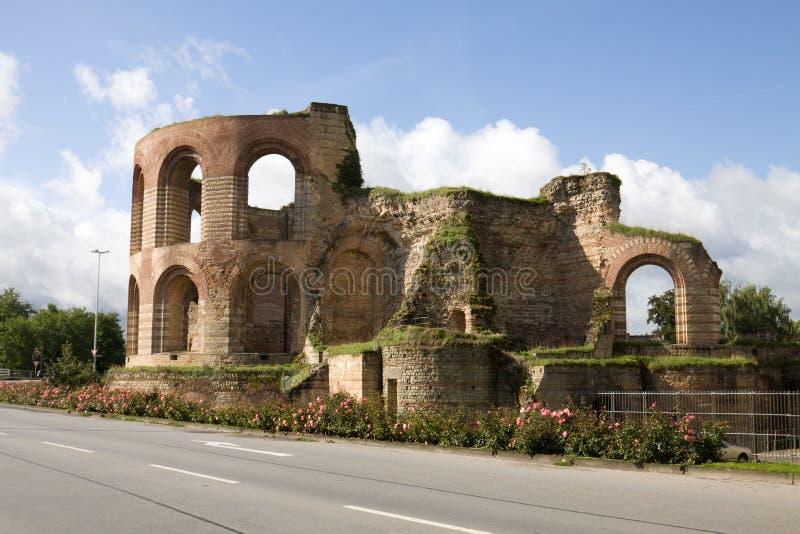 Ruinas de thermae imperiales en el Trier, Alemania fotografía de archivo