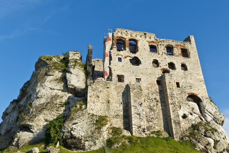 Ruinas de un castillo, fortalecimientos de Ogrodzieniec, Polonia foto de archivo