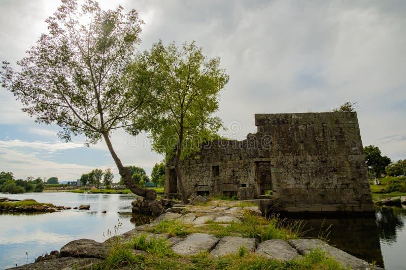 Ruinas de un molino fotografía de archivo libre de regalías