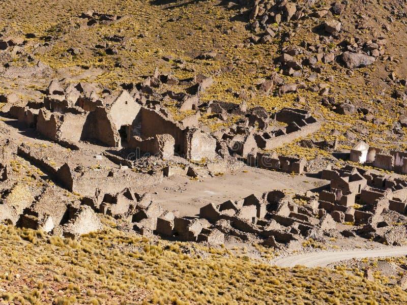 Ruinas de un pueblo minero anterior Fantasma de la ciudad imagenes de archivo