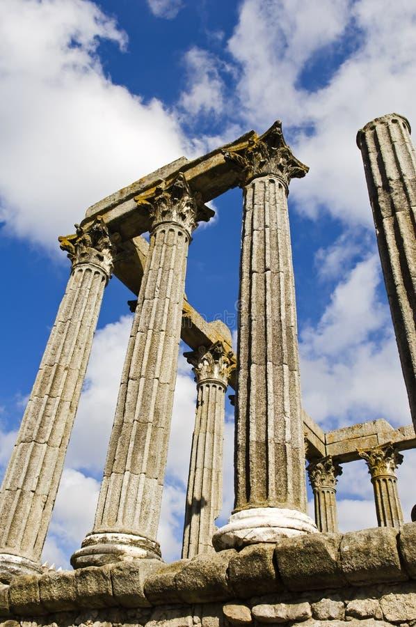 Ruinas de un templo romano foto de archivo libre de regalías