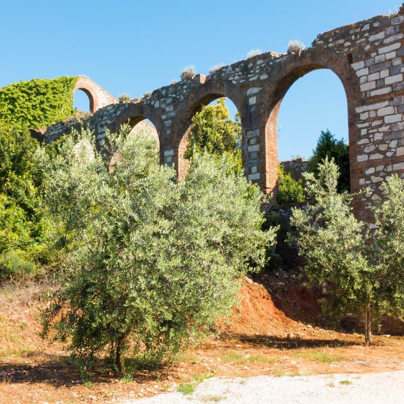 Ruinas de una compañía anterior de la mina en Campiglia Marittima, Italia fotos de archivo libres de regalías