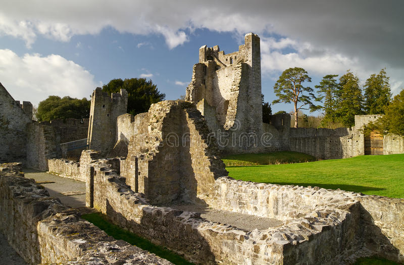 Ruinas del castillo de Adare imagen de archivo