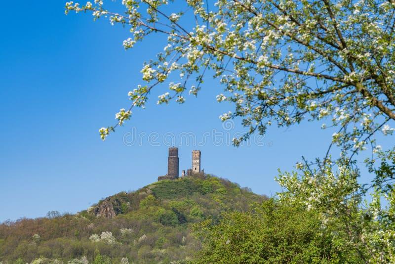 Ruinas del castillo de Hazmburk fotos de archivo