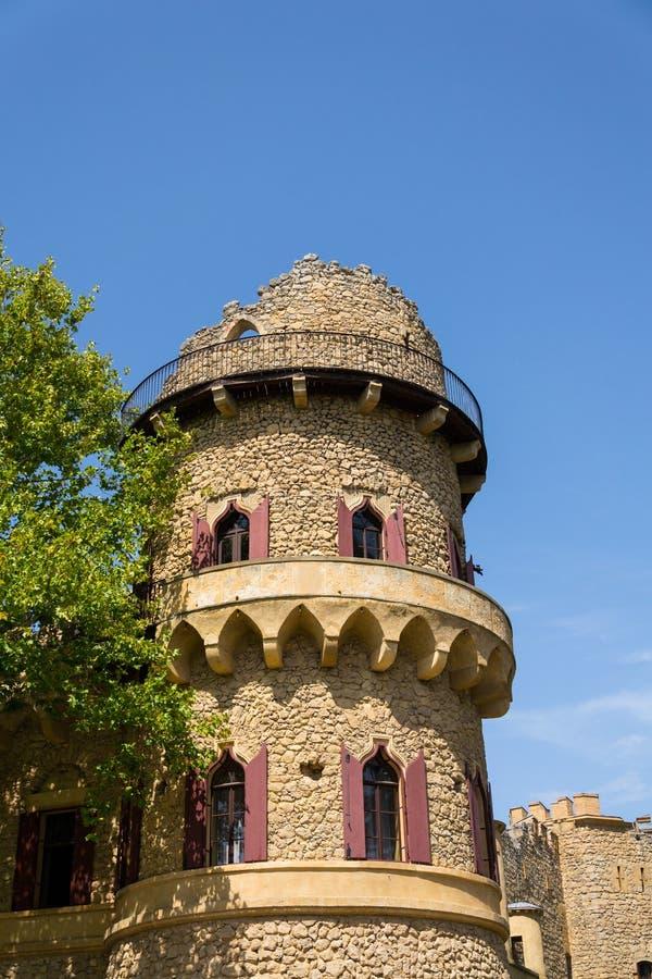 Ruinas del castillo de Johns, Lednice, Lednice-Valtice, Moravia, República Checa fotos de archivo