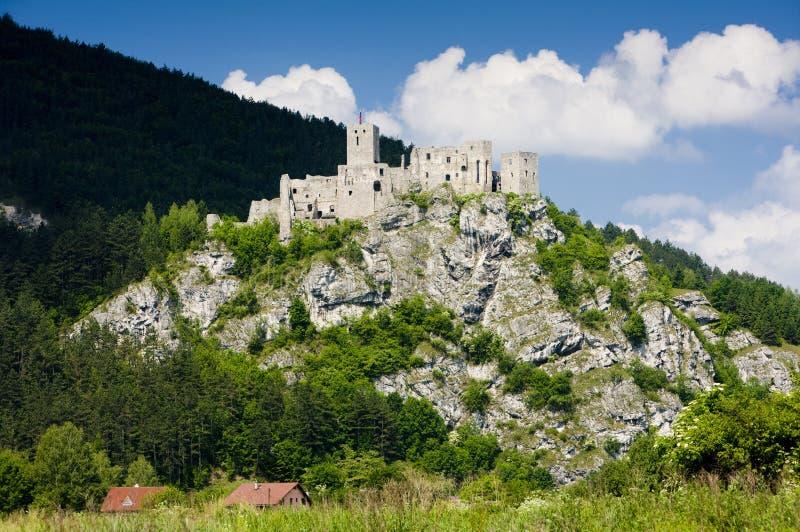 Ruinas del castillo de Strecno, Eslovaquia imágenes de archivo libres de regalías