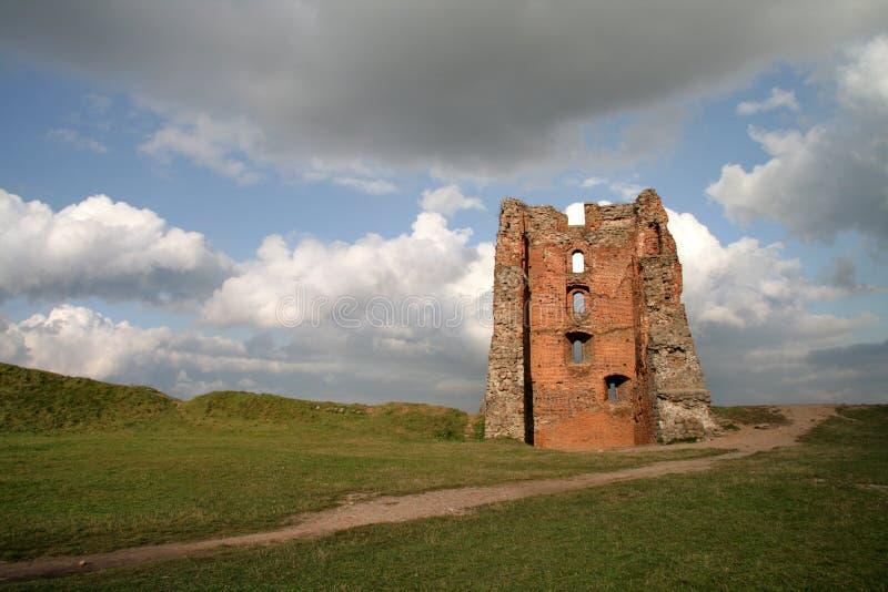 Ruinas del castillo en la ciudad de Novogrudok, en Bielorrusia fotos de archivo libres de regalías