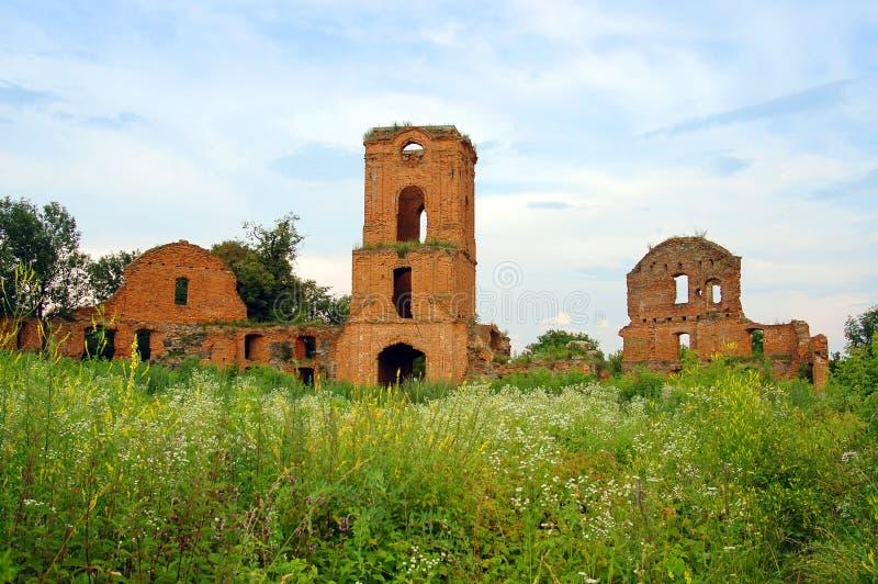 Ruinas del castillo o de la fortaleza antiguo, Korets, Ucrania imagen de archivo libre de regalías