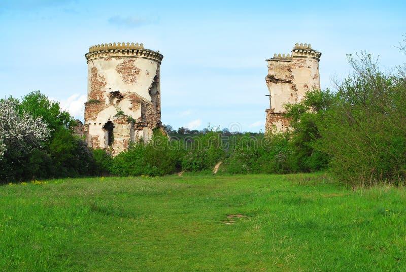 Ruinas del castillo o de la fortaleza antiguo, Ucrania fotos de archivo