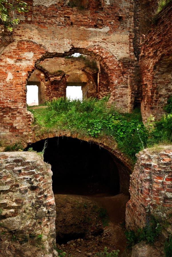 Ruinas del castillo viejo imagenes de archivo